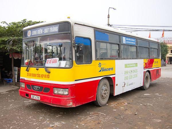 xe bus di Bat Trang
